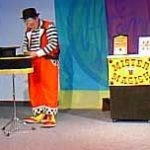 Dave Mitchell, doing his Staff on Stage as Mr. Maggish - a hilarious clown magic demonstration. Dave is a multitalented person, who performs equally well as a clown magician (which he pronounces magic-ean), a comedy magician (yes, there's a difference - read David Ginn's book, Clown Magic), ventriloquist, etc. A wonderful performer and person as well.