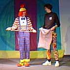 Audience participation - Juggles and Spilly. Yes, someone that Juggles can look up to... It should be pointed out that Spilly, in addition to dwarfing Juggles (who himself is quite tall) is also one of the nicest individuals, best clowns & finest mimes you will ever meet.